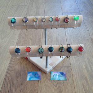 Présentoir de bracelets de Casiope Créations
